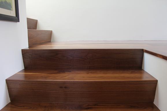 http://trojanwoodfloors.com/files/gimgs/13_18th-foresythe-stairs.jpg